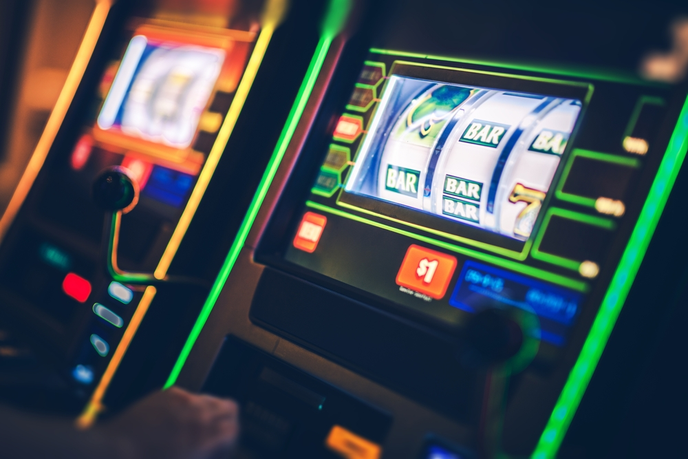 slot-machine-in-casino