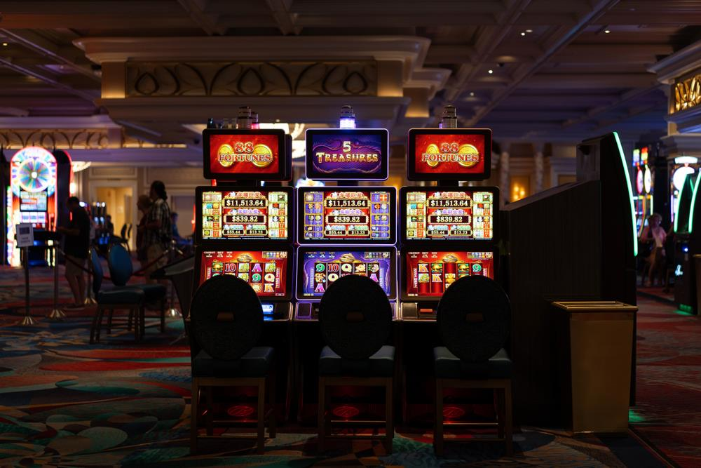 How to Start Online Casino Business and Buy Casino Games
